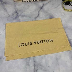 LOUIS VUITTON dustbag storage